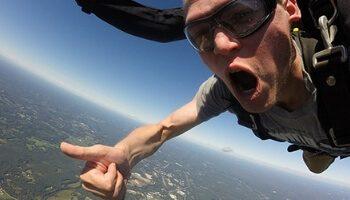 Individual skydiving